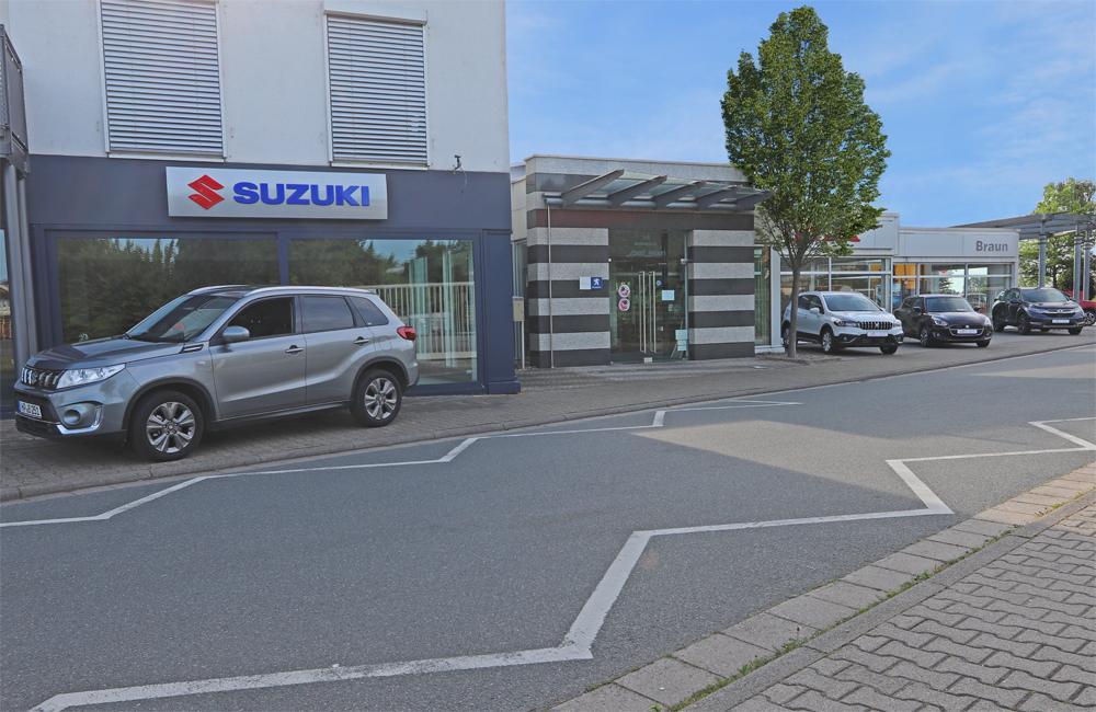 SUZUKI Außensignalisation | Autohaus Braun Lampertheim-Hüttenfeld